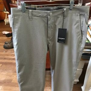 Brand New: Bonobos Golf Pants Stone MiniCheck: New